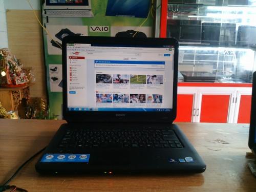 Bán laptop Sony Vaio VGN-NC51B, hình thức đẹp